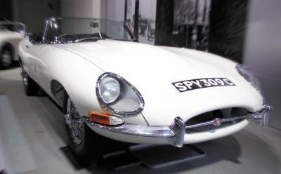 トヨタ博物館所蔵のジャガーEタイプ 。自らは英国のクラシックカーをこよなく愛した。「ジャグァー」と呼ぶのが徳大寺流