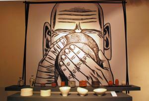「へうげもの」とのコラボで陶芸展も開かれた=2009年4月29日