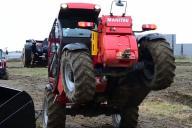 これも農機具の実力のうち?ヤンマーが挑んだトラクターのアクロバット走行