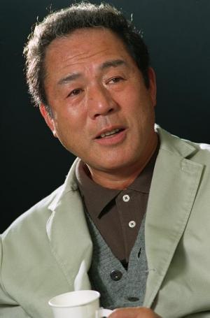 小林稔侍さん=2003年5月7日