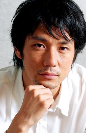西島秀俊さん=2006年撮影