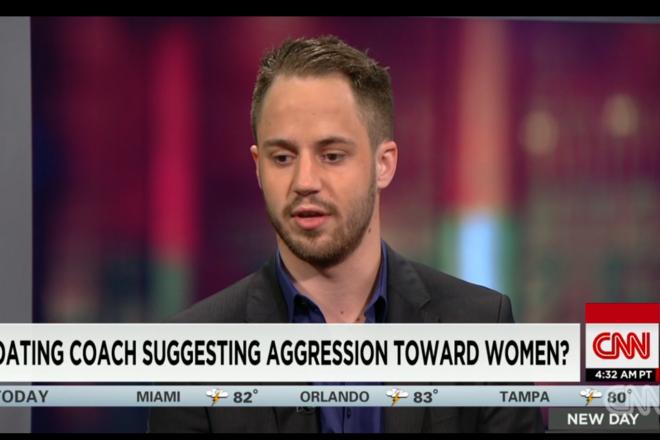 謝罪を口にするジュリアン・ブランク氏=CNNのインタビュー動画から