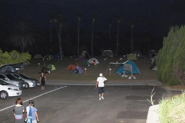 H2Bロケット4号機打ち上げ見学のため、宇宙ケ丘公園のキャンプ場を多くの人が利用した=8月4日撮影、南種子町役場提供