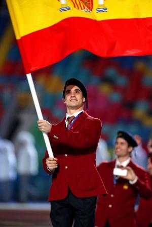 スペインの旗手をつとめたハビエル・フェルナンデス=2014年2月7日、遠藤啓生撮影
