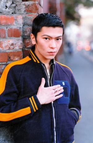 テレビドラマ「南くんの恋人」出演当時、肉体改造に励む前の武田真治さん=1994年2月28日