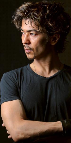 舞台「ロックンロール」に主演当時の武田真治さん=2010年7月12日