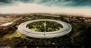 アップルがカリフォルニア州クパチーノの市議会に提出した新社屋の完成予想図。2015年に完成の予定