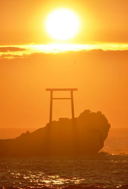福島県いわき市久之浜町の波立海岸で見えた2013年の初日の出