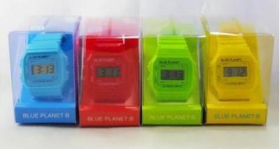 ダイソーで品薄になっている腕時計=大創産業提供