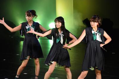 ねぎっこの左からKaede、Nao☆、Megu=2014年9月6日、新潟市中央区