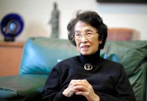 作家・宮尾登美子さん=2009年10月26日、東京都内の自宅で