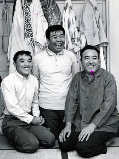 てんぷくトリオ。左から伊東四朗、三波伸介、戸塚睦夫=1965年11月4日撮影(写真の一部に乱れがあります)