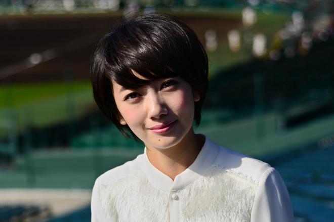 早世した伝説の女優、夏目雅子さんをほうふつさせる波瑠さん