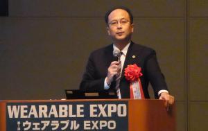 セミナーで講演する小林正啓弁護士