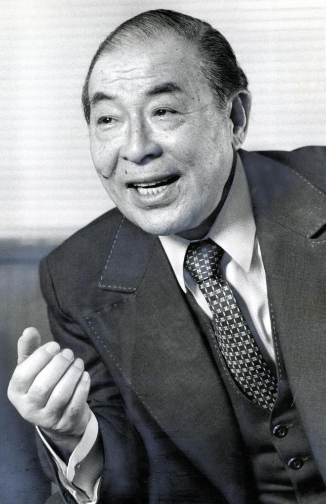 園田天光光さん死去 女性初代議...