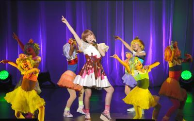 「きゃりーぱみゅぱみゅ」のステージ=2013年12月、京都市
