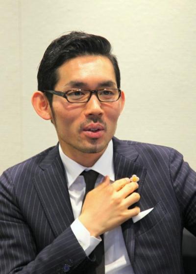 東洋経済オンラインからニューズピックスへ移籍した佐々木紀彦氏=昨年4月、古田大輔撮影