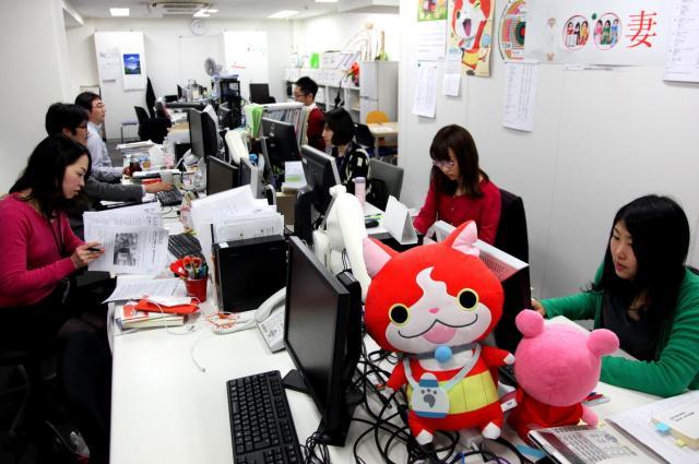 東洋経済オンライン編集部。8人体制は変わらず、このスペースだけで月間1億PVに迫る=古田大輔撮影