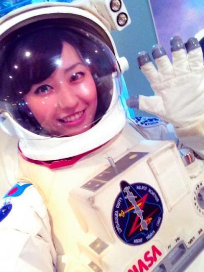宇宙飛行士のコスプレをする黒田有彩さん=本人提供