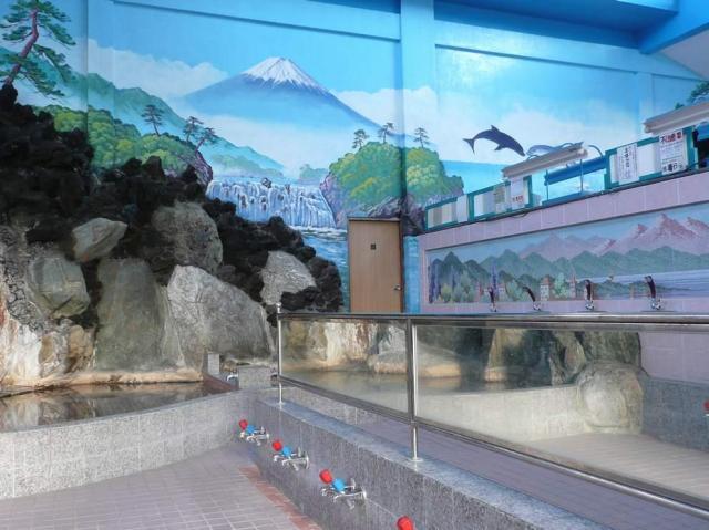 銭湯といえば富士山のペンキ絵