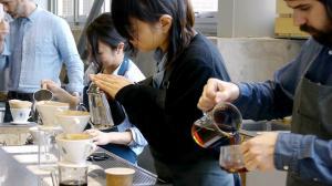 2月6日に開店した「ブルーボトルコーヒー」の店内