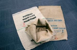 コーヒー豆などの運搬に使われている麻袋