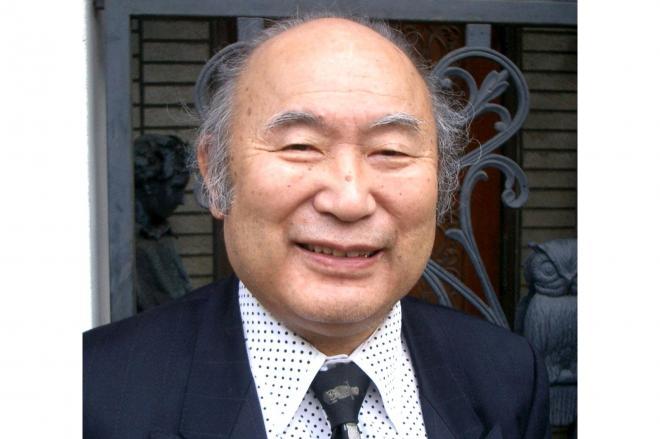 「ふくろう博士」として知られた古川のぼるさん=2003年8月30日