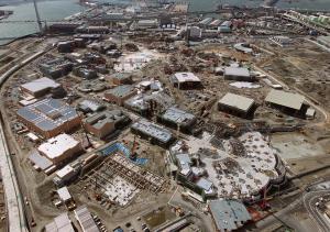 建設中のユニバーサル・スタジオ・ジャパンの工事現場=2000年3月23日