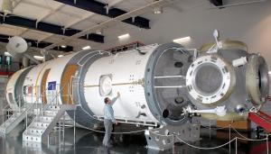 現在は北海道苫小牧市の科学センターにある「ミール」=2007年5月