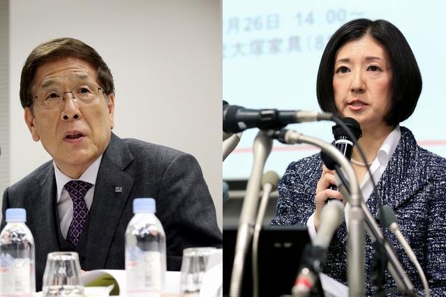 大塚家具の経営権をめぐり対立する、大塚久美子社長(右)と父親の勝久会長