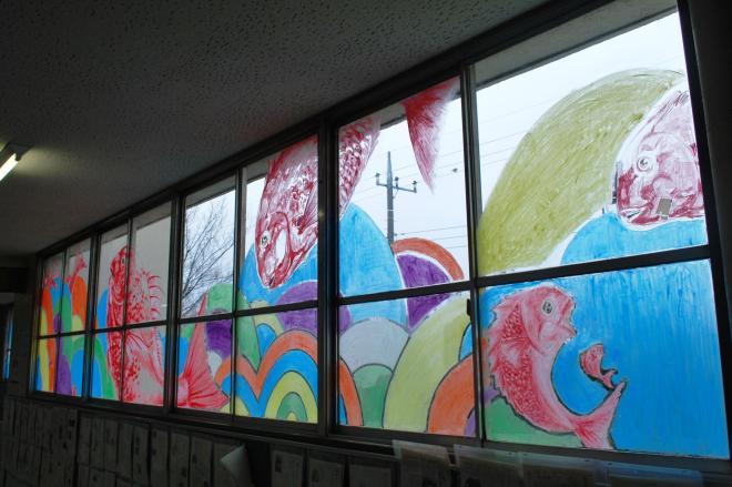 キットパスという画材を使って窓ガラスに描いた