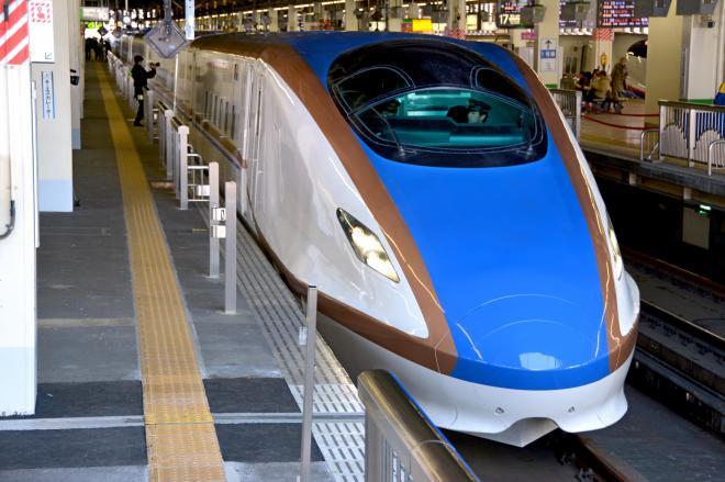 北陸新幹線E7系車両。新幹線開通によって、新潟の「所属問題」が浮上?