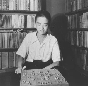 詰め将棋に熱中しはじめた中学2年生ころの内藤國雄さん
