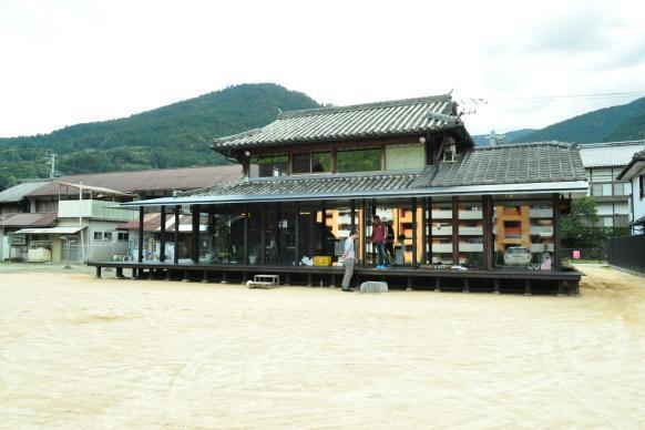徳島県神山町の縁側のある「株式会社えんがわ」のオフィス