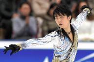 全日本選手権で優勝した羽生結弦のフリーの演技=2014年12月27日