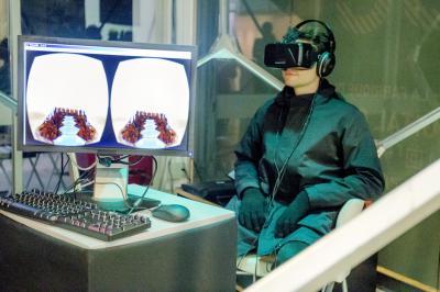 ヘッドマウントディスプレイ「Oculus Rift(オキュラス)」で脳内を探検する「第5の睡眠」=画像提供:アンスティチュ・フランセ東京