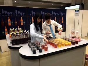 会場では飲み物が提供される「就活Bar」