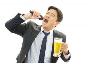 宴会での飲み過ぎは、ほどほどに