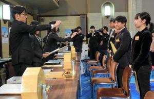 愛知県選管による、衆院選の立候補受け付けのリハーサル=2014年12月1日