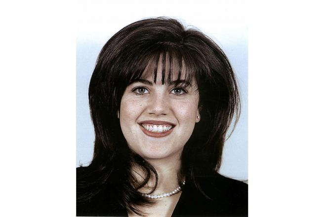 不倫騒動の渦中にあった頃のモニカ・ルインスキーさん=1999年2月