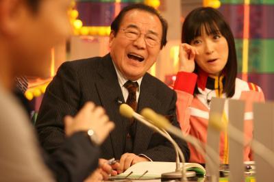 愛川欽也さんの「出没!アド街ック天国」での肩書は「あなたの街の宣伝本部長」=2010年2月24日、東京都港区、鈴木好之撮影