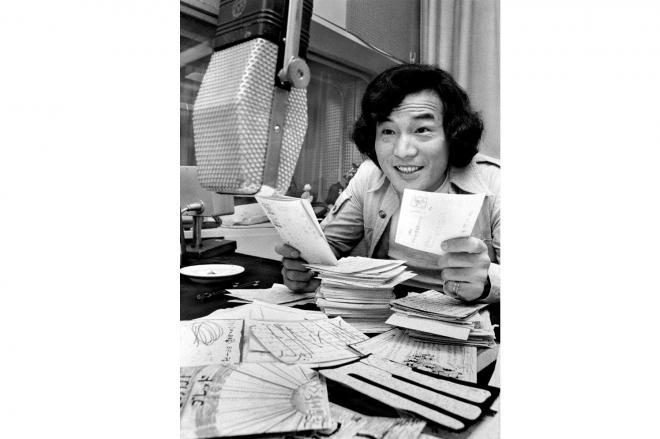 「ポール」「テトラ」「ジンジロゲ」。そんな言い回しで人気を集めた深夜放送時代=1972年9月、東京・赤坂