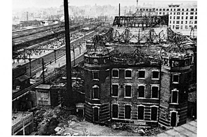 1945年の空襲で被害を受けた東京駅の丸の内駅舎=JR東日本提供