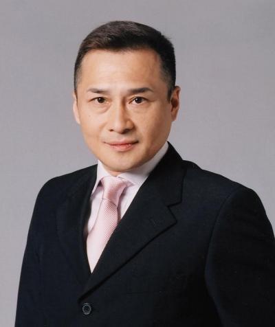 俳優の萩原流行さん=2003年11月