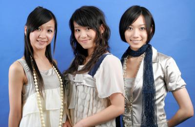 「リキッドレベル」だった頃のパフューム。(左から)樫野有香(かしゆか)、西脇綾香(あ~ちゃん)、大本彩乃(のっち)=2007年8月24日