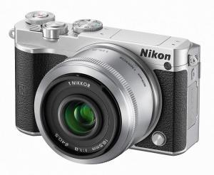 「自撮りモード」もある「Nikon1 J5」