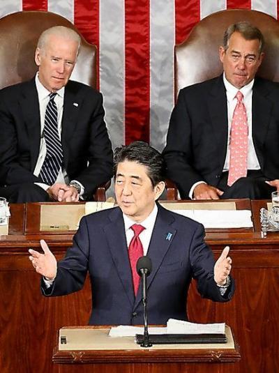 ワシントンの米議会上下両院合同会議で演説する安倍晋三首相=4月29日、ワシントン、飯塚晋一撮影