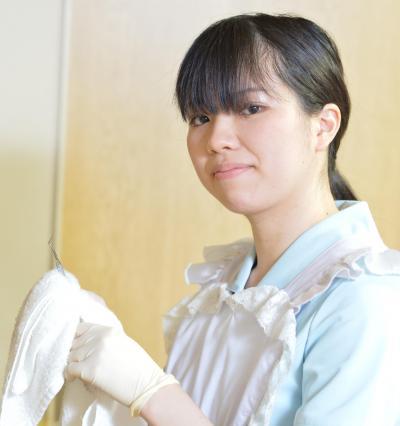 歯科助手。福元院長とは共通の趣味である「薩摩剣士隼人」のイベントで知り合い、助手に誘われたそうです=東京・新宿、瀬戸口翼撮影