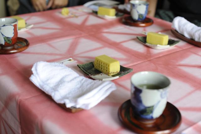 芋が特産の茨城県。特別に宿泊者用に作った団地を模した芋ようかんでおもてなし