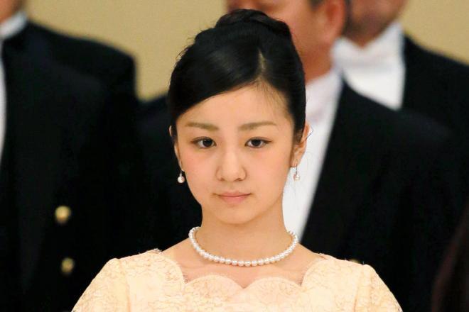 フィリピンのアキノ大統領を招いた宮中晩餐会に出席された秋篠宮ご夫妻の次女、佳子さま=2015年6月3日、皇居・宮殿「豊明殿」、代表撮影
